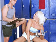 Mom receives ass-fucked by her fitness trainer